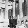 1966, εγώ ο Νικόλαος Λεοντάρης με τη γυναίκα μου Μαριγούλα, στην Ακρόπολη